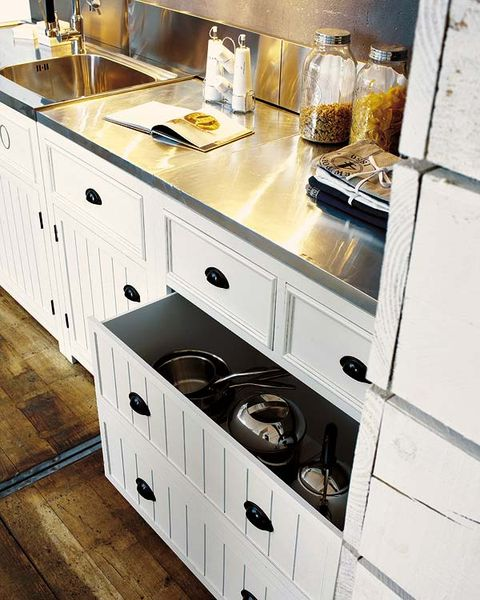 Wood, White, Room, Drawer, Cabinetry, Hardwood, Kitchen, Grey, Kitchen appliance, Small appliance,