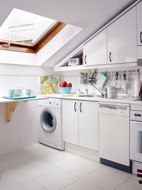 Product, Major appliance, Room, White, Laundry room, Washing machine, Home appliance, Interior design, Clothes dryer, Grey,
