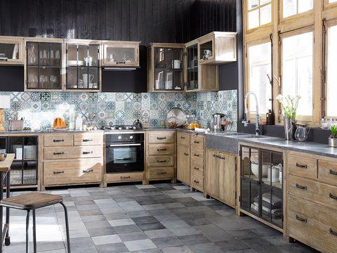 Wood, Room, Drawer, Floor, Interior design, Furniture, Flooring, White, Cabinetry, Home,