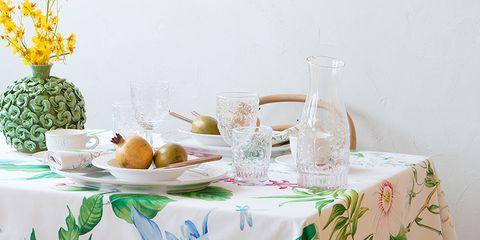 Tablecloth, Serveware, Textile, Table, Furniture, Ananas, Dishware, Linens, Tableware, Hardwood,