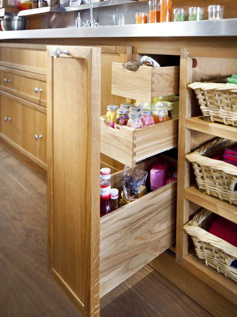 Cajones verticales en la cocina
