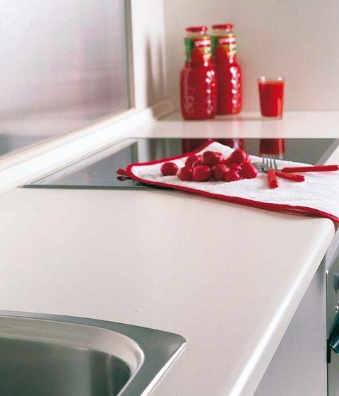 Red, Tableware, Carmine, Dishware, Home accessories, Plate, Composite material, Design, Kitchen utensil, Coquelicot,