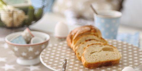 Serveware, Dishware, Food, Tableware, Drinkware, Cuisine, Plate, Ingredient, Porcelain, Finger food,