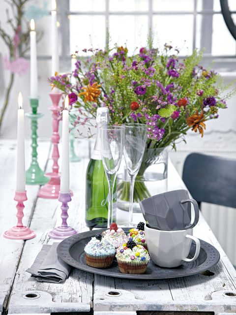 Serveware, Dishware, Petal, Flower, Glass, Bouquet, Purple, Drinkware, Tableware, Centrepiece,