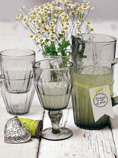 Drinkware, Serveware, Glass, Flower, Liquid, Drink, Barware, Tableware, camomile, Highball glass,