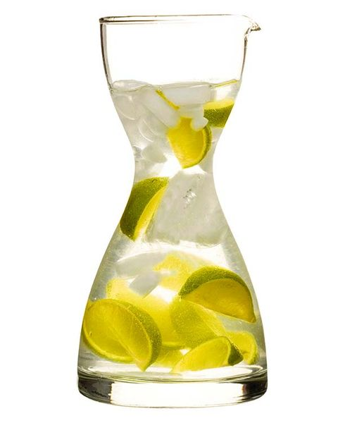 Fluid, Liquid, Glass, Yellow, Lemon, Drinkware, Drink, Tableware, Citrus, Bottle,