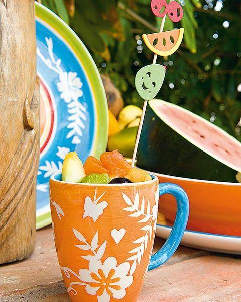 Serveware, Dishware, Fruit, Ingredient, Orange, Drinkware, Tableware, Produce, Cup, Peach,