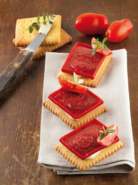 Food, Ingredient, Tomato, Vegan nutrition, Plum tomato, Produce, Vegetable, Finger food, Bush tomato, Rectangle,