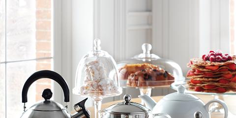 Serveware, Dishware, Drinkware, Porcelain, Coffee cup, Tableware, Cup, Drink, Ceramic, Saucer,