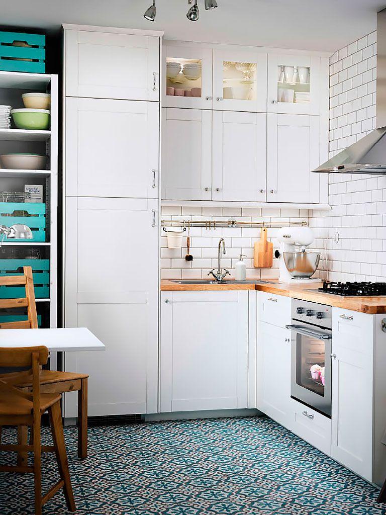 Cocinas cuadradas con isla free cocinas cuadradas en las for Distribuir cocina cuadrada