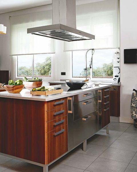 Room, Floor, Cabinetry, Kitchen appliance, Kitchen, Drawer, Major appliance, Grey, Home, Cupboard,