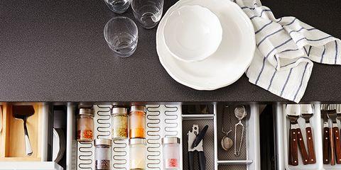 Dishware, Serveware, Plate, Porcelain, Ceramic, Kitchen utensil, Still life photography, Platter, Shelving, Bowl,