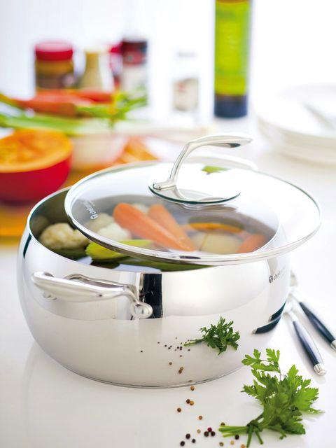 Serveware, Dishware, Food, Liquid, Ingredient, Porcelain, Bottle, Drinkware, Bowl, Ceramic,