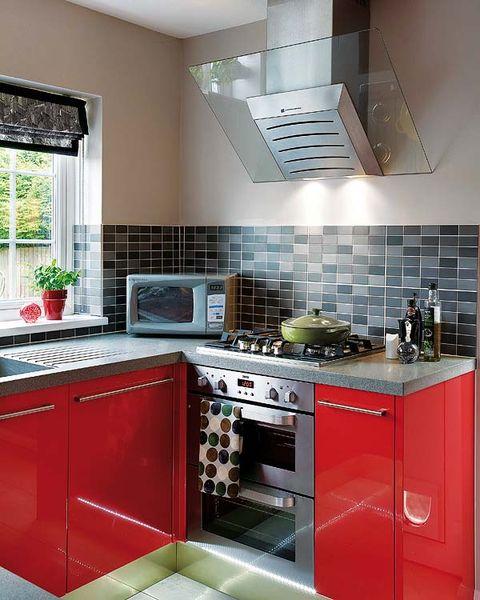 Room, Green, Floor, Interior design, Property, Major appliance, White, Kitchen, Kitchen appliance, House,