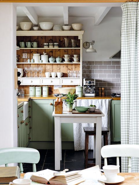 Interior design, Room, Wood, Dishware, Furniture, Floor, Serveware, Interior design, Table, Countertop,