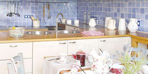 Sillas y cojines para una cocina rústica