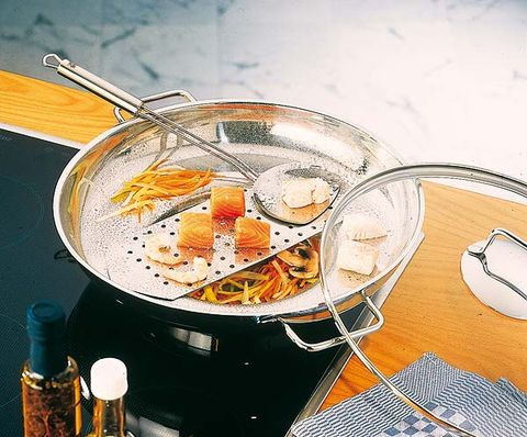 Fluid, Liquid, Ingredient, Recipe, Drinkware, Barware, Serveware, Kitchen utensil, Bottle, Martini glass,