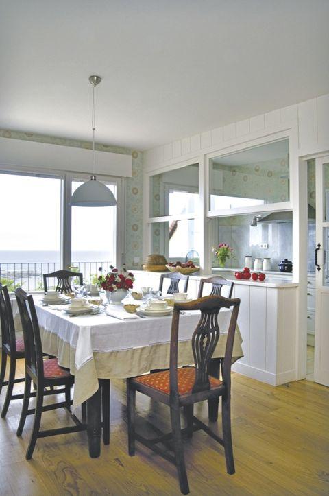 Una cocina abierta al comedor for Cocinas abiertas al comedor