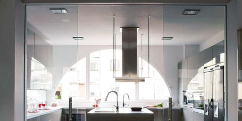 Floor, Architecture, Flooring, Property, Interior design, Glass, White, Room, Ceiling, Light fixture,