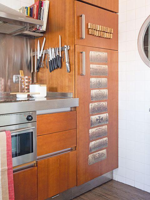 Wood, Floor, Room, Wall, Flooring, Hardwood, Drawer, Fixture, Cabinetry, Countertop,