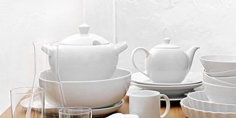 Serveware, Dishware, Porcelain, Tableware, White, Ceramic, Tablecloth, Drinkware, Cutlery, Linens,