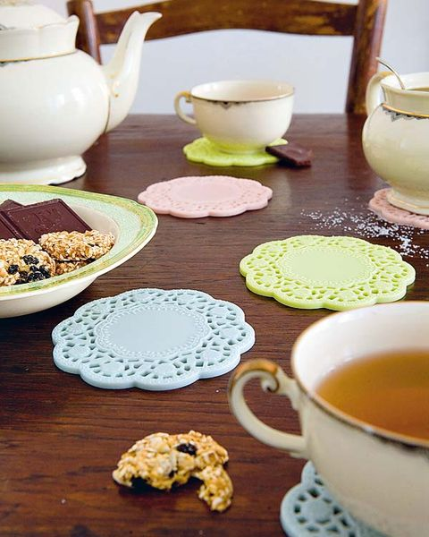 Serveware, Dishware, Porcelain, Food, Tableware, Ingredient, Drinkware, Cuisine, Table, Ceramic,