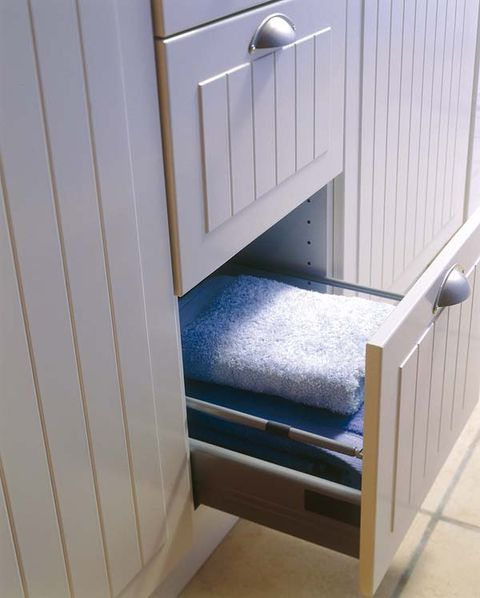 Floor, Fixture, Metal, Household hardware, Handle, Stairs, Wood stain, Aluminium, Door handle, Steel,