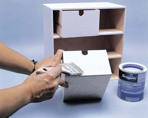 Finger, Wrist, Box, Nail, Pet supply, Thumb, Gaffer tape, Tin, Bracelet, Electrical tape,