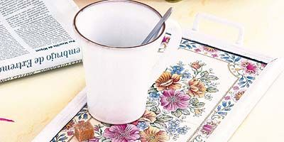 Drinkware, Serveware, Home accessories, Dishware, Linens, Cylinder, Cup, Pedicel, Floral design, Drawing,