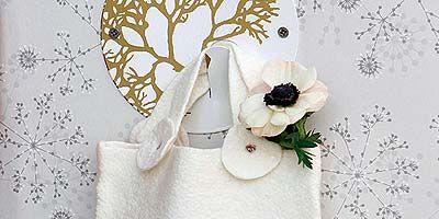 Petal, Cut flowers, Flowering plant, Embellishment, Creative arts, Bouquet, Artificial flower, Floral design, Rose, Wallpaper,