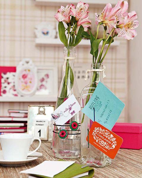 Serveware, Dishware, Petal, Coffee cup, Flower, Cup, Drinkware, Pink, Bouquet, Porcelain,