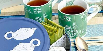 Coffee cup, Cup, Food, Dishware, Cup, Dish, Plate, Turkish coffee, Saucer, Serveware,
