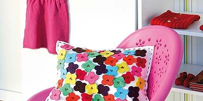Textile, Pink, Magenta, Pattern, Cushion, Throw pillow, Purple, Linens, Pillow, Home accessories,