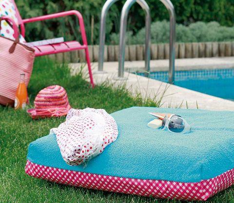 Blue, Textile, Aqua, Pattern, Azure, Linens, Teal, Turquoise, Home accessories, Garden,