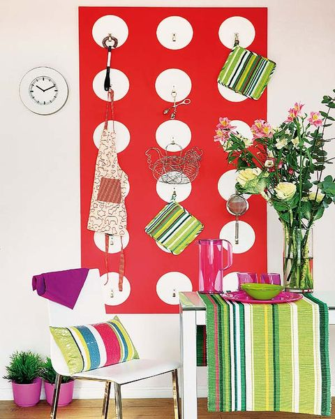 Interior design, Linens, Creative arts, Circle, Peach, Home accessories, Vase, Artifact, Kitchen utensil, Houseplant,
