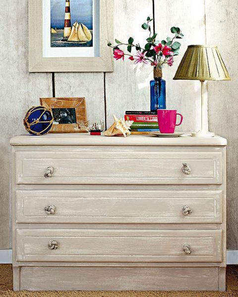 Wood, Drawer, Chest of drawers, Room, White, Furniture, Dresser, Cabinetry, Interior design, Hardwood,