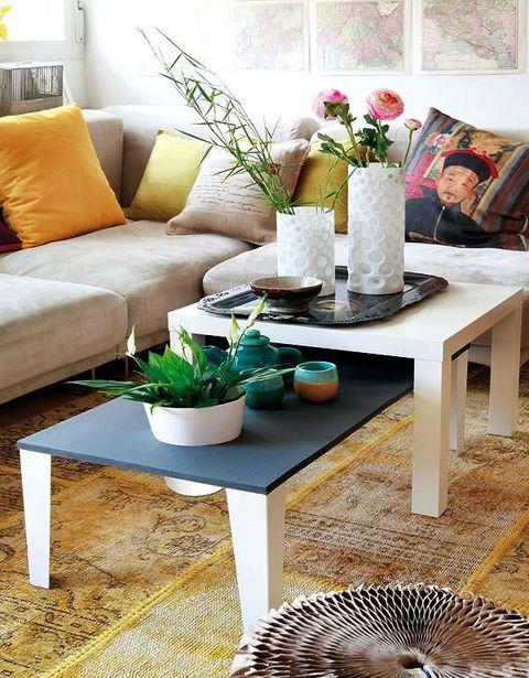 Interior design, Room, Furniture, Couch, Table, Interior design, Petal, Living room, Home, Bouquet,