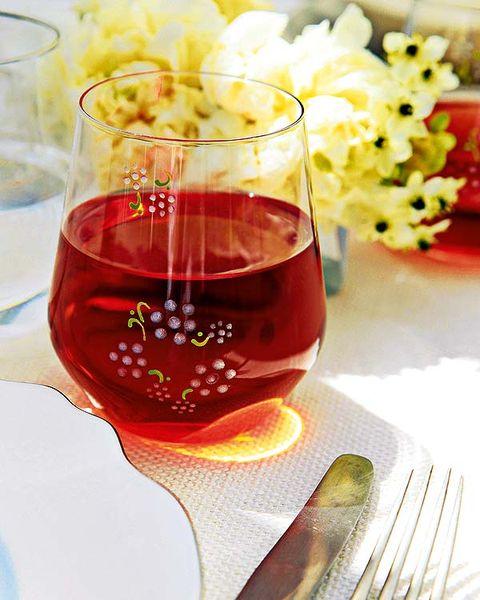 Glass, Drinkware, Stemware, Drink, Barware, Fluid, Liquid, Alcoholic beverage, Red, Tableware,