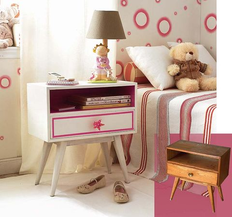 Room, Stuffed toy, Toy, Textile, Pink, Furniture, Interior design, Teddy bear, Plush, Lamp,