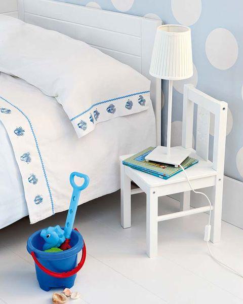 Decora las sábanas blancas
