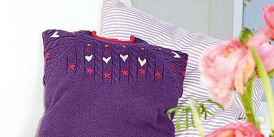 Textile, Purple, Pink, Petal, Magenta, Violet, Linens, Lavender, Creative arts, Cut flowers,