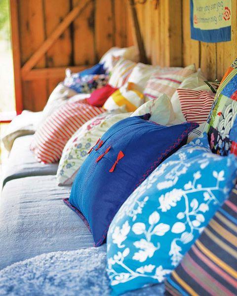 Blue, Room, Textile, Linens, Orange, Bedding, Bedroom, Home, Bed sheet, Cushion,