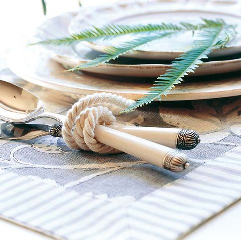 Rope, Beige, Dishware, Natural material, Tobacco products, Knot, Cigarette, Kitchen utensil, Home accessories,