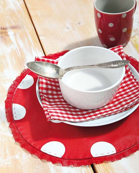 Serveware, Dishware, Drinkware, Porcelain, Red, Cup, Tableware, Teacup, Ceramic, Coffee cup,