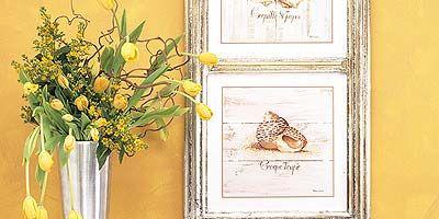 Room, Petal, Artifact, Interior design, Bouquet, Botany, Vase, Still life photography, Artwork, Cut flowers,