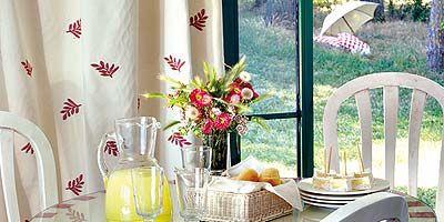 Serveware, Dishware, Furniture, Table, Porcelain, Linens, Outdoor furniture, Interior design, Home accessories, Dining room,