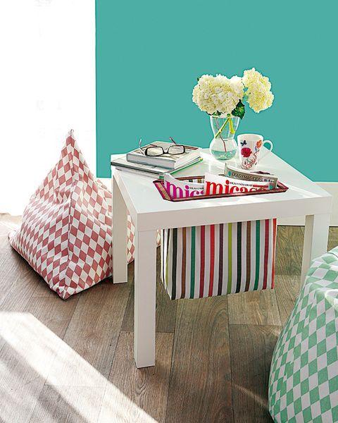 Tablecloth, Textile, Room, Table, Linens, Flower, Bouquet, Petal, Cut flowers, Teal,
