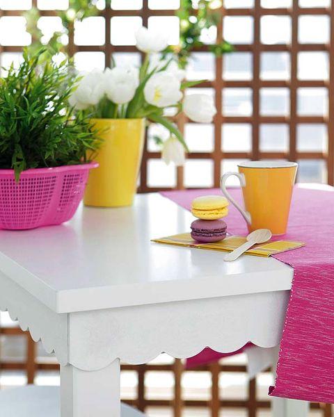 Yellow, Table, Flowerpot, Serveware, Drink, Interior design, Juice, Tablecloth, Lavender, Rectangle,