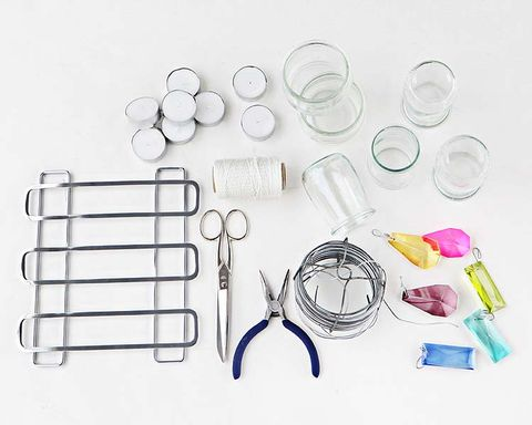 Glass, Circle, Transparent material, Kitchen appliance accessory, Chemical compound, Laboratory equipment, Kitchen utensil,