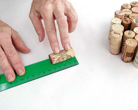 Finger, Cork, Hand, Wrist, Nail, Thumb, Cylinder, Ruler, Saving, Gesture,